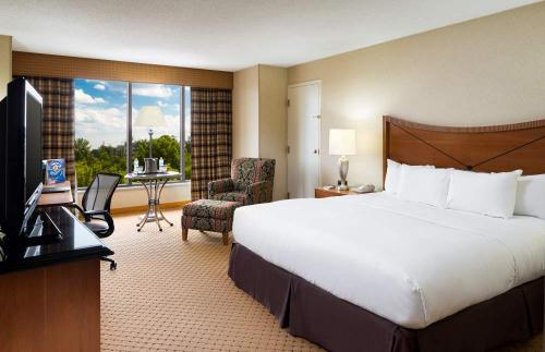 King Guest Room at the Hilton Washington Dulles Airport Hotel