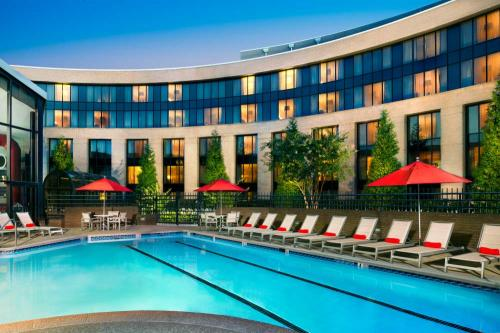 Outdoor Pool at the Hilton Washington Dulles Airport Hotel